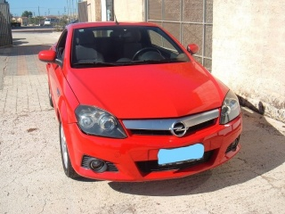 OPEL Tigra TwinTop 1.4 16V First Edition Usata