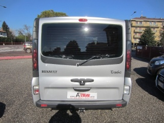 RENAULT Trafic 2.5 DCi 140cv -8 POSTI- Pass. Privil.-GancioTRAINO Usata