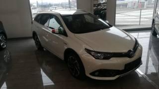 TOYOTA Auris Touring Sports 1.8 Hybrid  Black Edition Km 0